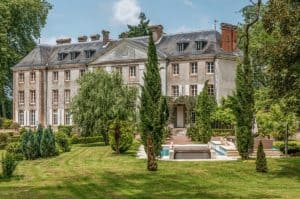 Photography Workshop at Chateau Vézins in France with Jordan Matter